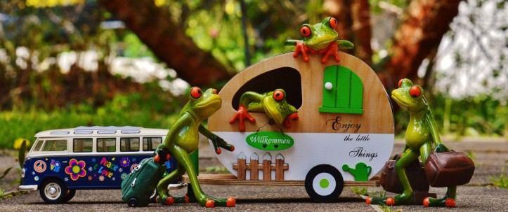 frogs_bulli_vw_caravan_funny_travel_luggage_trolley-630830